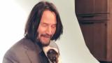 Киану Рийвс, няколко малки кученца и любимите неща на акьтора