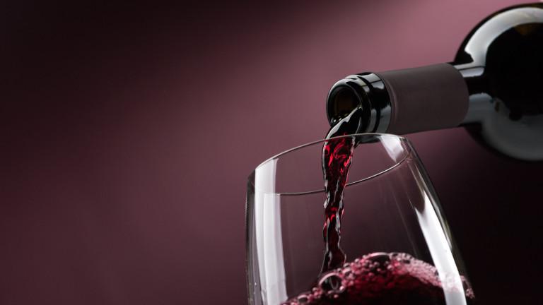 Отдавнасадоказани ползите на червеното вино за здравето. Единодушно специалистите го