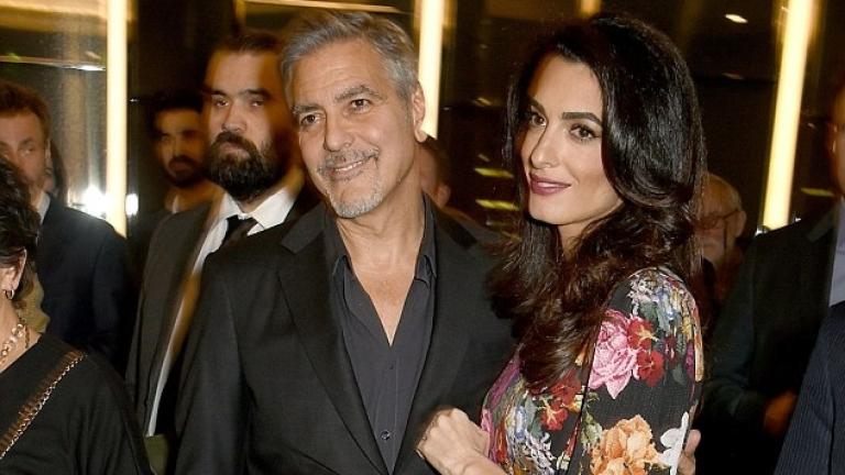 Амал Клуни показа бременно коремче