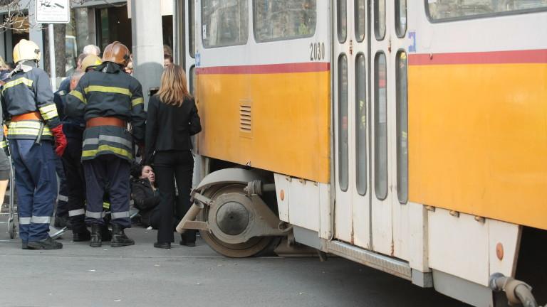 Трамвай блъсна възрастен мъж в София