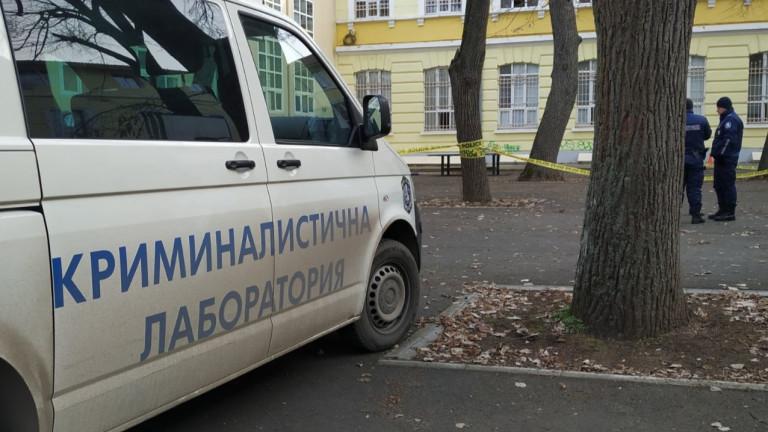 15-годишно момче падна от покрива на гимназия в Русе