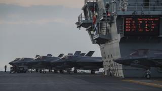 Великобритания разполага за постоянно бойни кораби в азиатски води