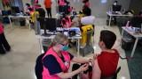 Австралия облекчава COVID ограничения, но очаква бум на заразени