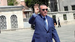 Ердоган съди в Анкара холандския депутат Вилдерс за обида