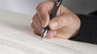 Желев и Масларова подписват договори за над 24 млн. лв.