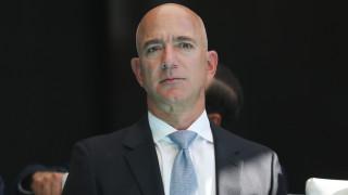 Безос е продал акции на Amazon за $10 милиарда през 2020 година