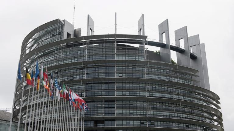 Хакери успешно са следили дипломатическите комуникации на Европейския съюз в