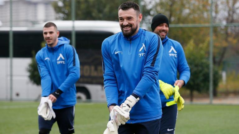 Милан Миятович ще напусне Левски?