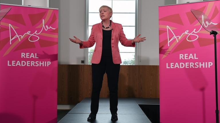 Британските лейбъристи и либералдемократи зоват за предсрочни избори
