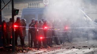 19 ранени и 30 задържани на протест на медици в Париж