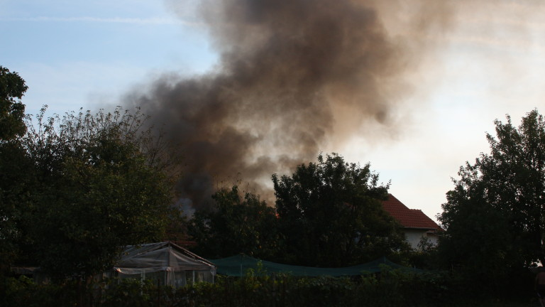 Пожар изпепели дома на 55-годишен инвалид в Хасковско