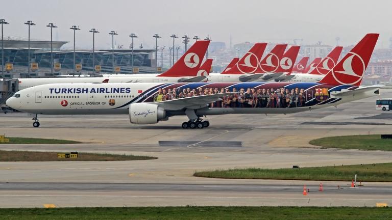 Над 100 отменени полета в Истанбул заради снеговалеж