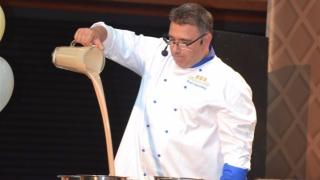 Приготвиха 120 килограма сладолед на принципа на молекулярната кухня