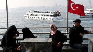 Арестуват 107 учители в Турция във връзка с преврата