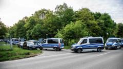 800 полицаи в мащабна операция срещу неонацисти за трафик на хора в Германия