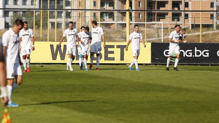 Славия очаква тримамлади играчи от Северна Македония на проби. Те