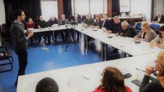 """Професионалните гимназии масово искат да обучават кадри за сектор """"Електромобили"""""""