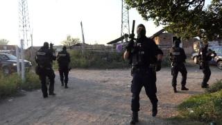 Спецакция на ГДБОП в ромската махала в Кюстендил