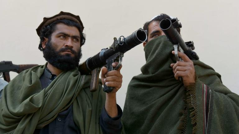 Подкупи, за да предадеш оръжие – част от стратегията на талибаните в Афганистан