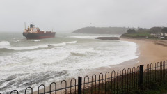 Руски 180-метров товарен кораб заседна до Корнуол