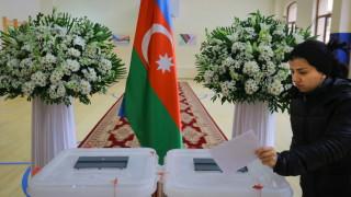 Управляващите в Азербайджан спечелиха мнозинство на парламентарния вот