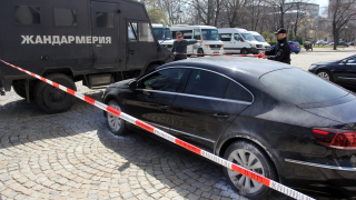 Блокираха района около джамията в София