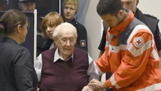 """""""Счетоводителят на Аушвиц"""" е в състояние да лежи 4 г., реши германски съд"""
