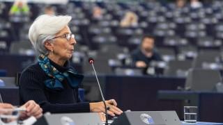Шефът на ЕЦБ призова правителствата да помогнат за растежа