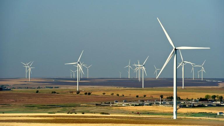 Възобновяемите източници на енергия скоро ще вземат короната на въглищата в най-голямата икономика