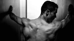 Роналдо се пусна гол в Instagram (СНИМКИ)