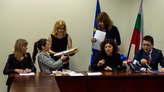 МВР шефът Узунов обвини екипа на Бъчварова за забавени обществени поръчки