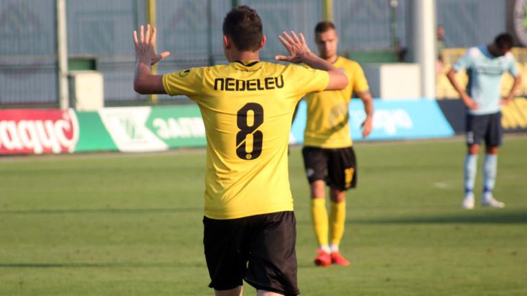 Тодор Неделев с контузия, може да пропусне дербито с Локо