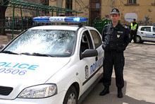 """Издирват мъж, нападнал полицай в кв. """"Столипиново"""""""