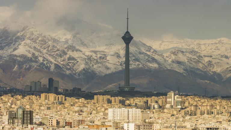 Починаха двамата иранци с коронавирус