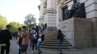 СУ отстранява проф. Мирчев, обвинен от студенти в расизъм