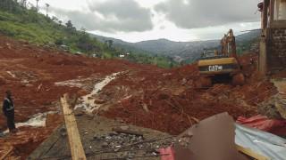 Половината от загиналите в Сиера Леоне са погребани
