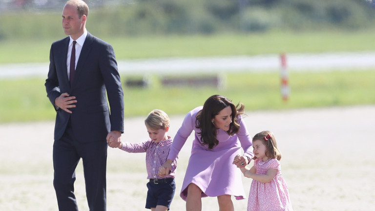 Кейт Мидълтън е бременна с близнаци