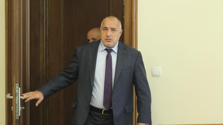Премиерът Бойко Борисов се опита да изясни дали Военновъздушните ни