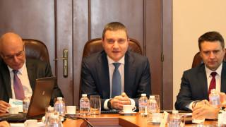 Горанов показва пред посланици напредъка на България към еврозоната
