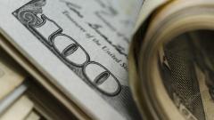 Доларът набира сили от данните за американската икономика
