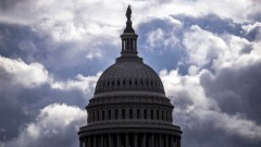 US Сенатът отмени извънредното положение, Тръмп налага вето