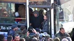Възобновиха евакуацията от Източно Алепо