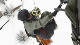 Родилка, спасена от преспите, гостува на авиобаза Крумово