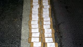 Хероин за над 5 млн. лв. в туби и памперси спряха на границата