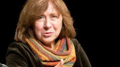 Светлана Алексиевич: Цяла Русия лъже