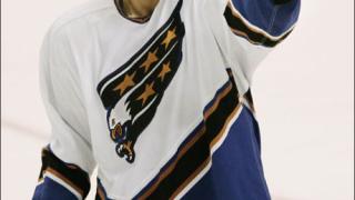 Четирима хокеисти с по две номинации за наградите на НХЛ