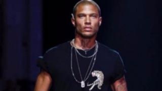Най-красивият престъпник дефилира на Седмицата на модата в Милано