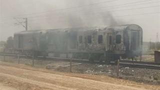 75 са вече жертвите на пожара във влак в Пакистан