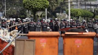Съветът за сигурност осъди насилието в Мианмар, но не и преврата