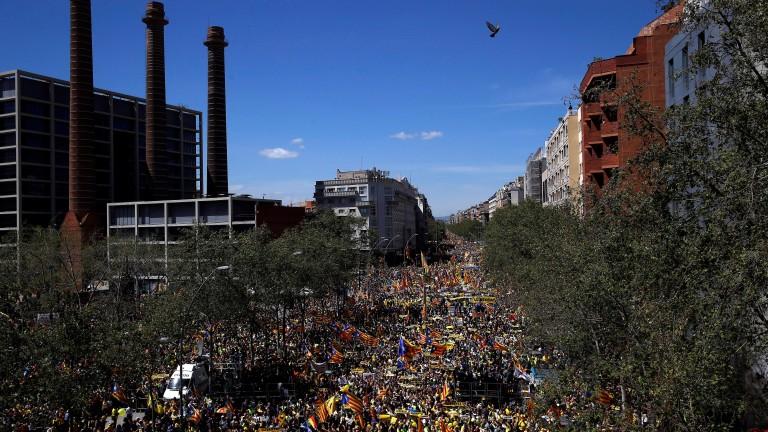 Многохиляден протест в Барселона подкрепи арестуваните сепаратисти